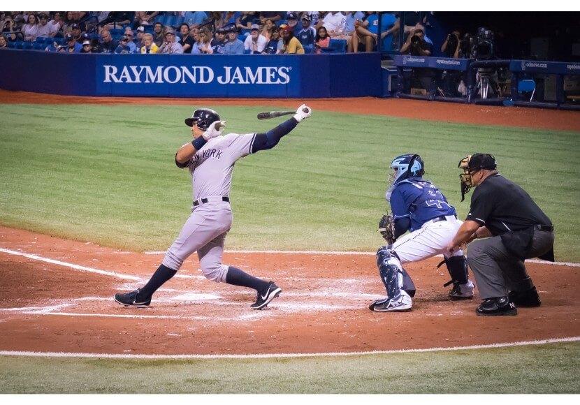 野球は素振りでバッティング上達・適切な筋肉とスイングフォームでスラッガーへ