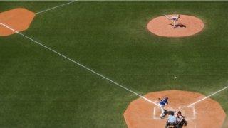 バッター目線で考えるキャッチャーの配球、打席に入る前・打席の中で投手の投げる球を読み解く